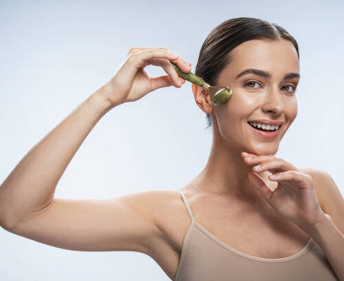 How to Use Jade Face Rollers